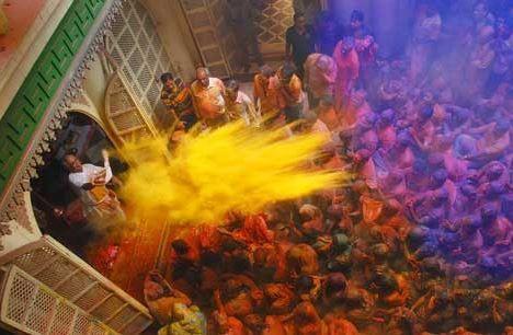 Voyage sur-mesure, Festival Holi