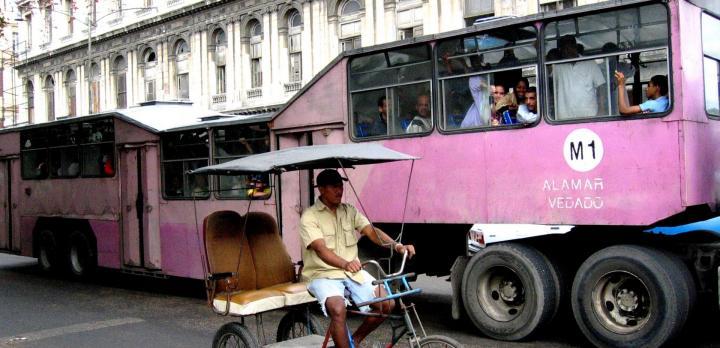 Voyage sur-mesure, Sur les routes de Cuba en bus...