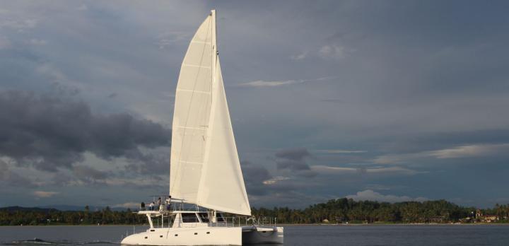 Voyage sur-mesure, Croisière à bord d'un catamaran