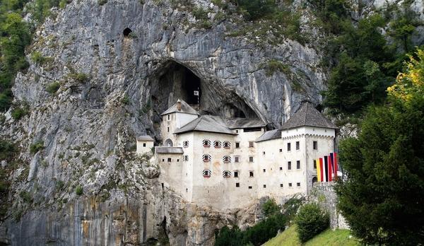 Voyage sur-mesure, Château de Predjama