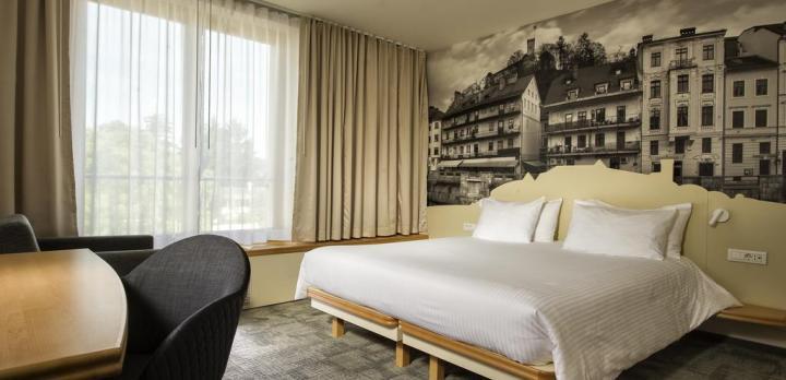 Voyage sur-mesure, Hôtel confortable au coeur de la ville