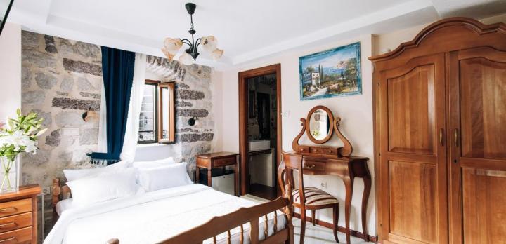 Voyage sur-mesure, Charmant hôtel face à la Baie de Kotor