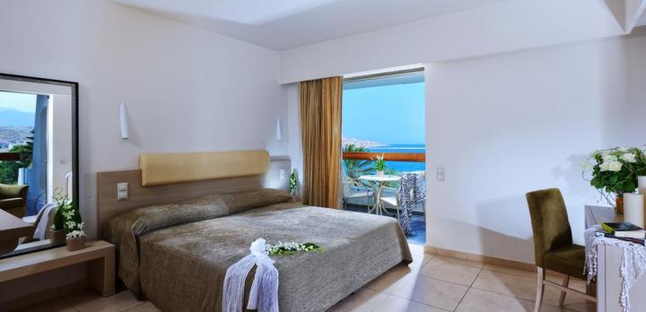 Voyage sur-mesure, Bel hôtel 5* en front de mer avec piscine