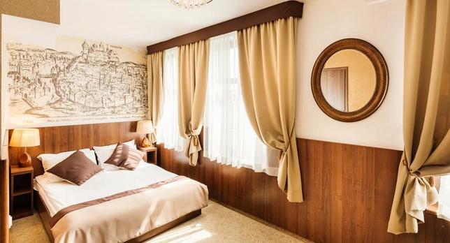 Voyage sur-mesure, hôtel confortable dans quartier juif