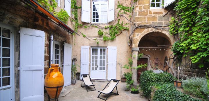 Voyage sur-mesure, Chambre d'hôte dans une ancienne demeure du 15ème siècle