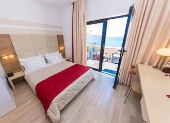 Voyage sur-mesure, Confortable hôtel vue mer