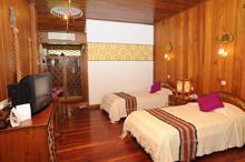 Voyage sur-mesure, Hôtel 3* traditionnel en bois