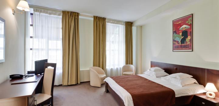 Voyage sur-mesure, Hotel Trianon ***