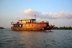 Voyage sur-mesure, Navire Bassac