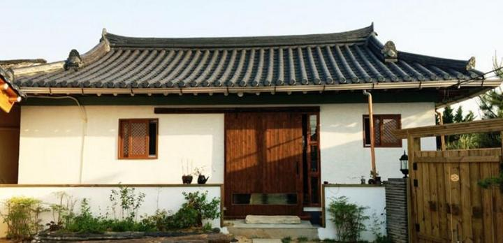 Voyage sur-mesure, Guesthouse en hanok traditionnel