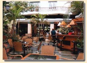 Voyage sur-mesure, Camelia Hotel