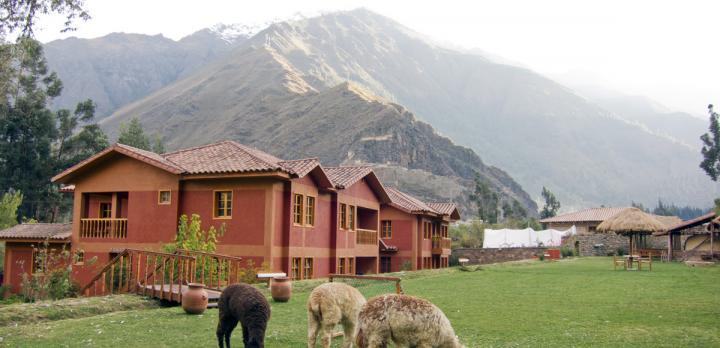 Voyage sur-mesure, Lodge au centre du village