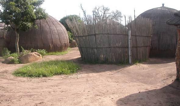 Voyage sur-mesure, Huttes traditionnelles au Swaziland