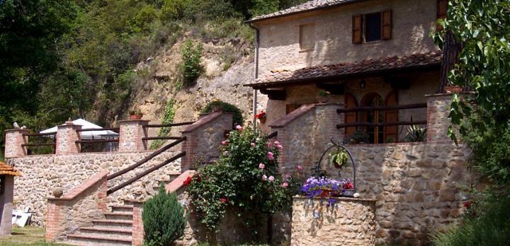 Voyage sur-mesure, Gîte rural près du village de Volterra