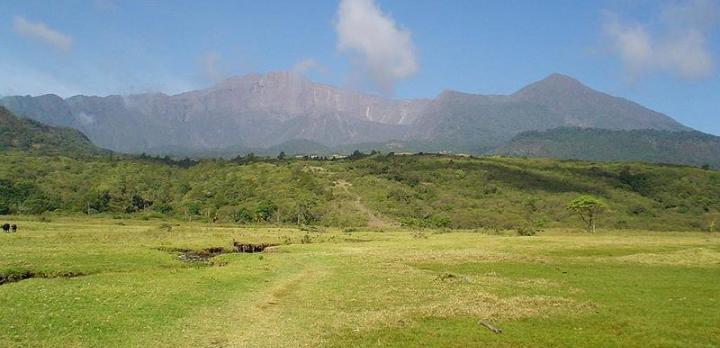 Voyage sur-mesure, Trek en Tanzanie : Ascension du Mont Meru