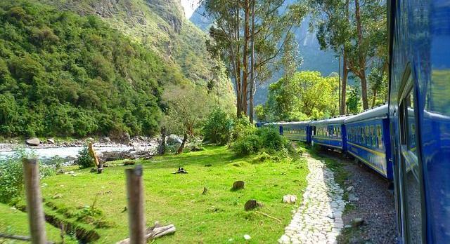 Voyage sur-mesure, Voyage en train, du Pacifique à la Vallée sacrée