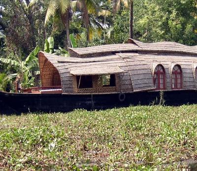 Voyage sur-mesure, Tourisme équitable aux portes des backwaters