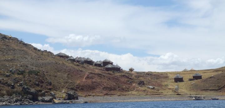 Voyage sur-mesure, Séjour dans une communauté sur une île du lac Titicaca