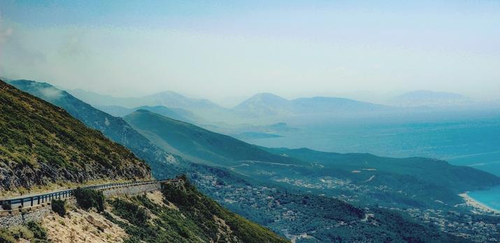 Voyage sur-mesure, En voiture à travers l'Albanie