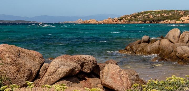 Voyage sur-mesure, Découverte en road trip tranquille: Les trésors de la Sardaigne du nord