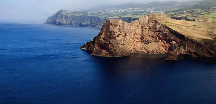 Voyage sur-mesure, Randonnées, baleines, volcans et grands navigateurs : Faial, São Jorge et Pico