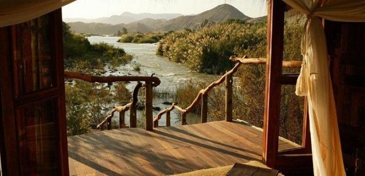 Voyage sur-mesure, Lodge sauvage en terre Himba