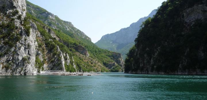 Voyage sur-mesure, Randonnée dans les montagnes du Nord et Autotour à travers la Riviera Albanaise
