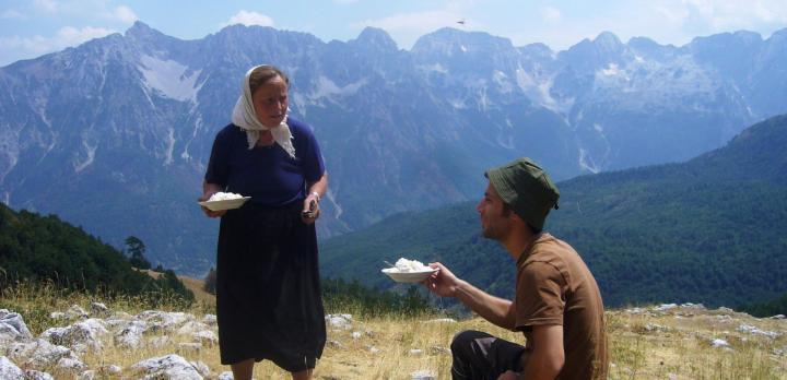 Voyage sur-mesure, Alpes & traditions du Nord avec guide