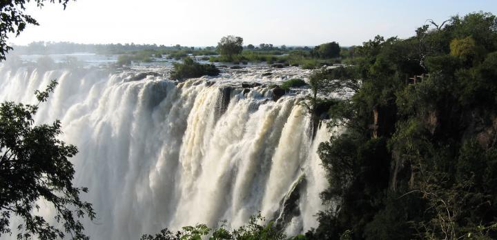 Voyage sur-mesure, Combiné safari dans les parcs de Chobe & Sud Luangwa et les Chutes Victoria