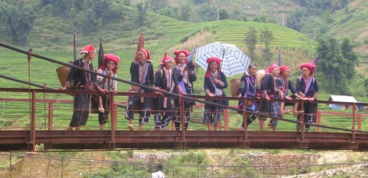 Voyage sur-mesure, Dans les montagnes entre le Laos et le Vietnam