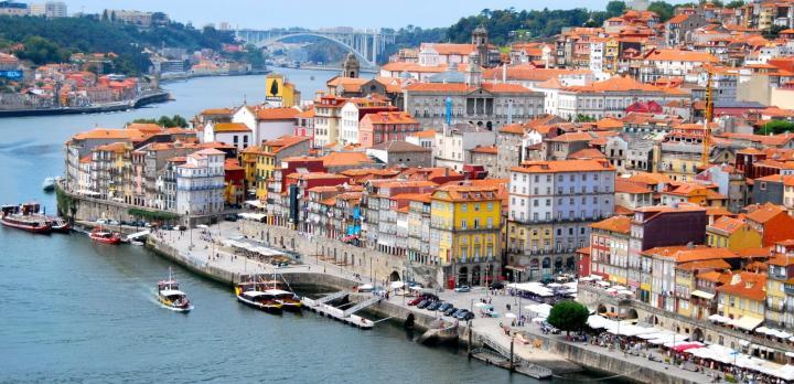 Voyage sur-mesure, Escapades urbaines : Porto et Lisbonne en train