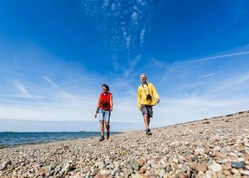 Voyage sur-mesure, Un tapis de pierres sur la mer...